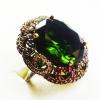 Крупное кольцо с изумрудом