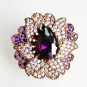 Крупное кольцо с аметистом и топазом